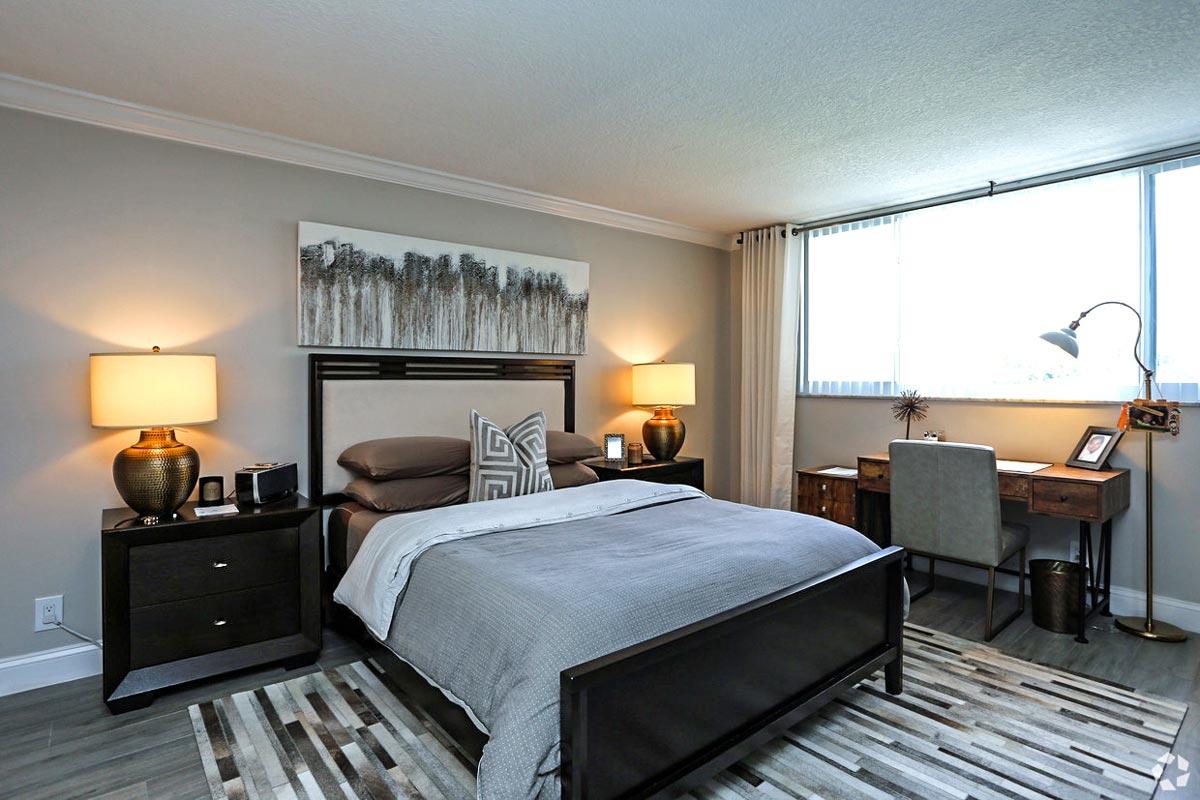 601 N Ocean Bedroom with furniture